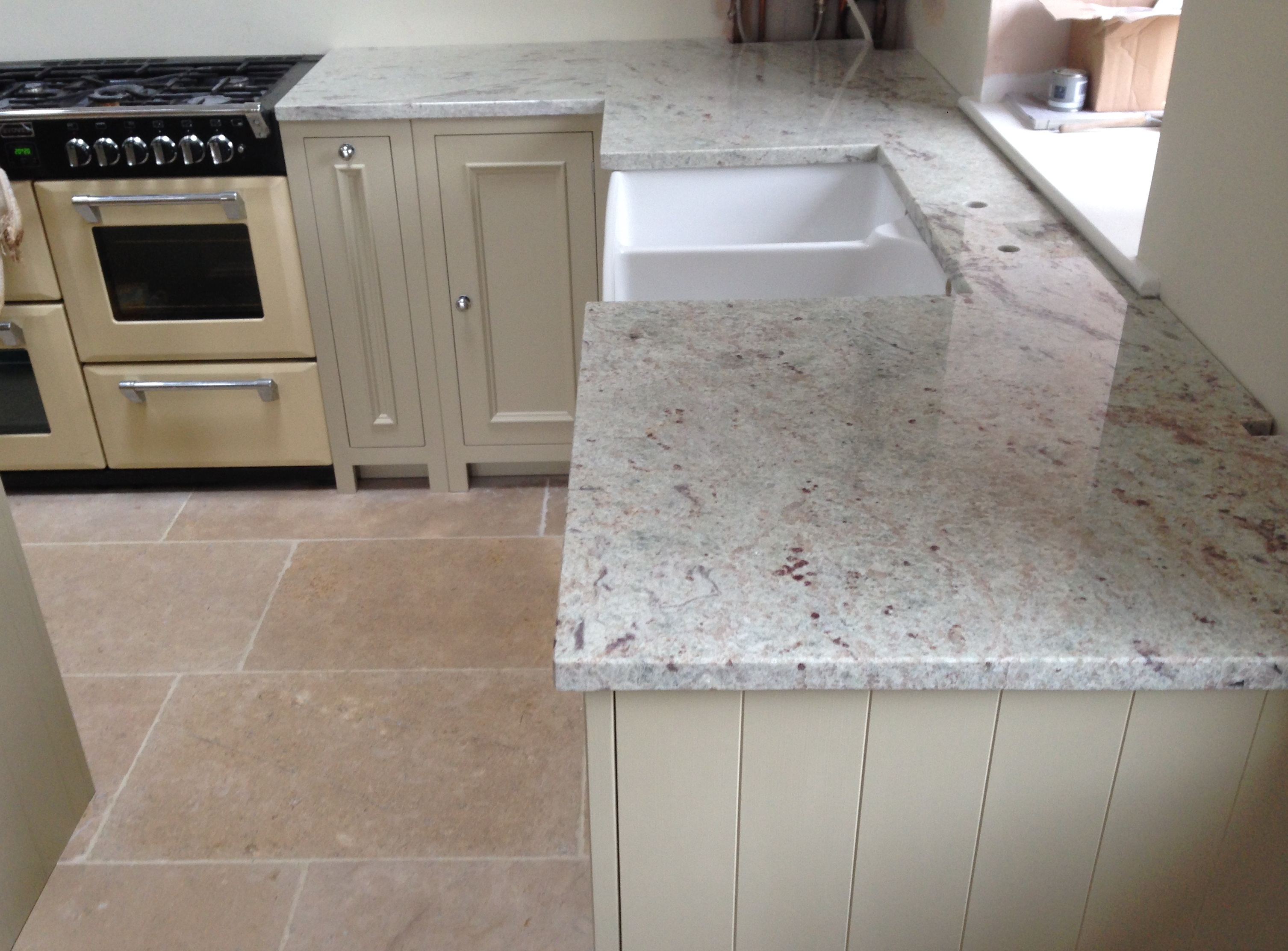Valley White Granite : Are you ready for a summertime kitchen makeover