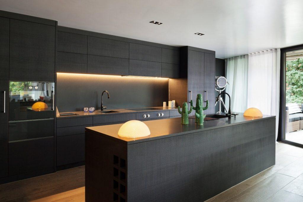 Black Kitchen Worktop