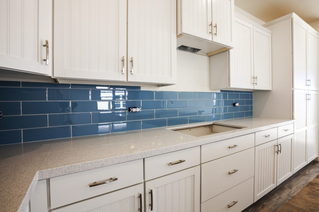 Design Ideas Kitchen Splashbacks ~ Traditional style kitchen design with a modern twist