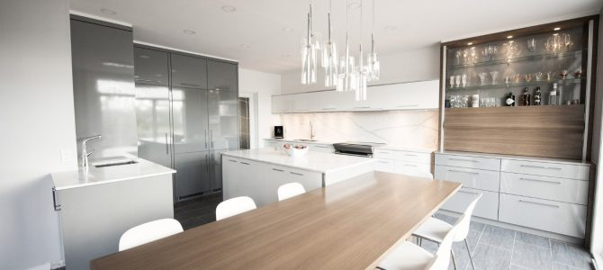Kitchen Design Trend Report. Black Vs White